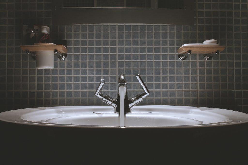 Vasque avec mitigeur moderne